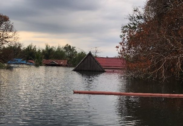Thêm một ngôi làng ở Campuchia chìm dưới đập Hạ Sê San 2