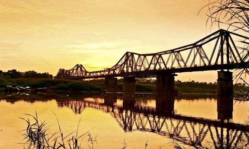 'Sông Hồng thở than'